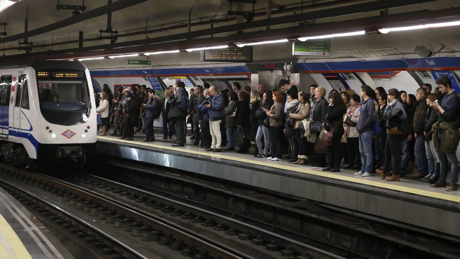 exposición en el metro