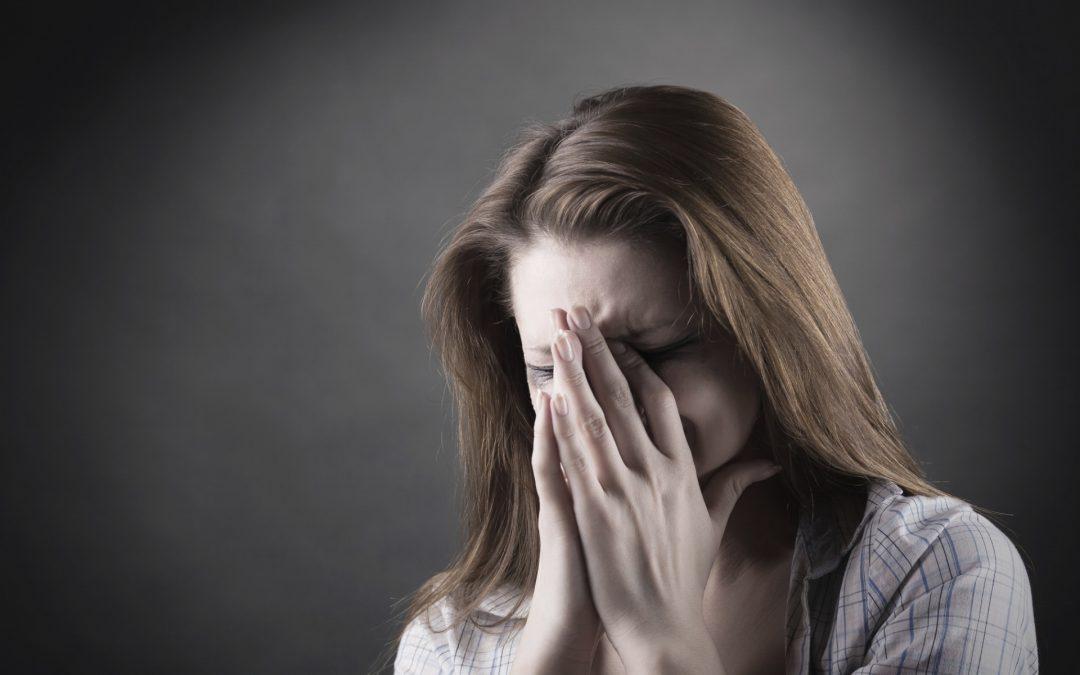 """""""Negación, ira, negociación, depresión y aceptación"""": éste y otros 3 mitos más  sobre cómo vivimos el trauma las personas"""