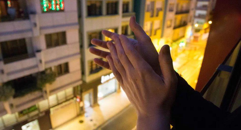 aplauso de las 8 un pequeño gesto que nos une